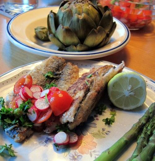 MS-kost: Sild - tidligere frosne nu stegte m salat, dampede asparges og artiskok